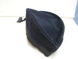 Lot. 594. Béret Bleu Avec Ruban à Déterminer. (RDB 13. 75) - Cascos