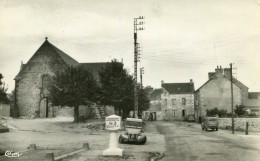CHANTRIGNE - Place De L'Eglise Beau Plan Sur La Borne MICHELIN 2CV Citroën Véhicule éditeur CIM - France