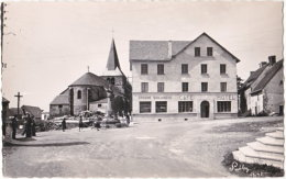 63. Pf. LARODDE. La Place Principale - Autres Communes