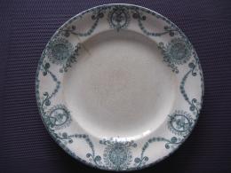 Assiette Terre De Fer,Pierrefonds - Plates