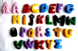 L'ALPHABET DES BARBAPAPA PLASTOY Complet Avec 2 Lettres A Différentes 27 LETTRES EN TOUT - Beeldjes