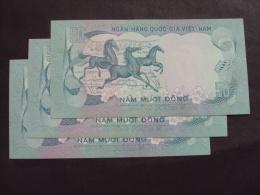 Lot Of 03 South Vietnam Viet Nam 50 Dong UNC Horse Consecutive Banknotes 1972 - P#30 / 02 Images - Vietnam