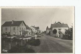 25cpsm  Le Valdahon Rue Principale - France