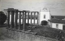 Evora - Um Aspecto Do Templo Romano De Diana - Carte Non Circulée - Evora