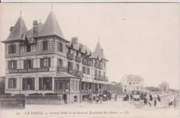 """44  LOIRE ATLANTIQUE LA BAULE """" Le Grand Hôtel  Tramway Vehicule """" L L N° 19 - La Baule-Escoublac"""
