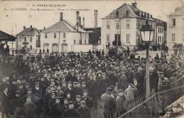 Saint-Pierre - Une Manifestation - Place Du Gouvernement (Rare) - Saint-Pierre-et-Miquelon