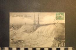 CP, 22, PORTRIEUX Tempete Du 22 Mars 1906 La Vague Monstre N°537 Edition JB Barat     Transport  Bateau Voilier - Saint-Quay-Portrieux