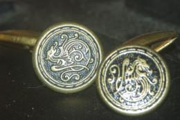 BOUTONS DE MANCHETTE DRAGON - Cuff Links & Studs
