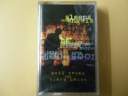 NEIL YOUNG  K7 AUDIO ENCORE EMBALLE VOIR PHOTO...ET REGARDEZ LES AUTRES (PLUSIEURS) - Cassette