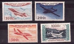 1954 - Poste Aérienne N° 30 à 33 - Neufs ** - Cote 400 - 1927-1959 Neufs