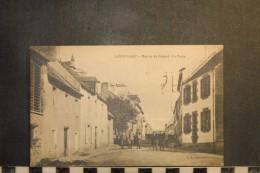 CP, 29, LANDIVISIAU Rue De St Guénal La Poste  Edition OT Libraire RARE Vue - Landivisiau
