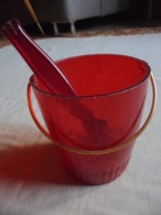 Ancien Seau/pot à Glace + Pince à Glaçons Plastique Rouge Années 70 - Platos, Vasos Y Cubiertos