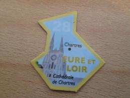 Mag516   MAGNET LE GAULOIS / CARTE DE FRANCE : Département 28 EURE ET LOIR  + CHARTRES + Cathédrale     Très Bon état (p - Turismo