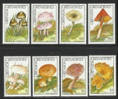 GRENADA GRENADINES  1989  MUSHROOMS  SET  MNH - Champignons