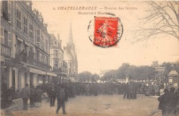 CPA 86 CHATELLERAULT BOURSES DES GRAINS BOULEVARD BLOSSAC - Chatellerault