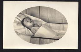 CPA 27 Gisors Carte Photo F.Bignon Photographe - Un Enfant Mort - Gisors