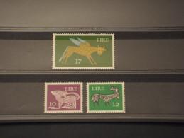 IRLANDA - 1977 ANIMALI 3 VALORI  - NUOVI(++) - 1949-... Repubblica D'Irlanda