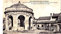 30 / VILLENEUVE LES AVIGNON. Puits De La Chartreuse. - Villeneuve-lès-Avignon