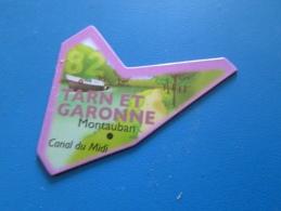 Mag516   MAGNET LE GAULOIS / CARTE DE FRANCE : Département 82 TARN ET GARONNE + MONTAUBAN + CANAL DU MIDI     Très Bon é - Turismo