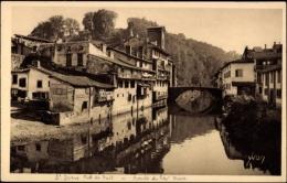 Cp Saint Jean Pied De Port Pyrénées Atlantiques, Vieilles Maisons, La Nive - Sonstige Gemeinden