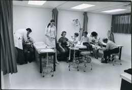 USA Philadelphie Hopital Salle D'Urgences Ancienne Photo Edward Freeman Inquirer 1970