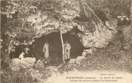 12 - AVEYRON - Aspières - Grotte Du Diable - Refuge Des Prête Pendant La Révolution - Other Municipalities