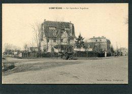 CPA - COMPIEGNE - Le Carrefour Napoléon, Animé - Attelage - Compiegne