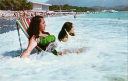 On The Beach - Girls - Pitsunda - Abkhazia - 1970 - Georgia USSR - Unused - Géorgie