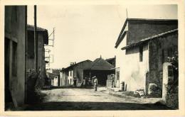Dép 01 - Lavoirs - Leyment - Cime Du Village - Le Lavoir - Semi Moderne Petit Format - état - Autres Communes