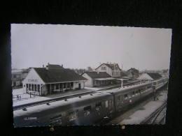 K-n°350 /  [62] Pas De Calais - Etaples ,Les Quais De La Gare  /  Circulé - Etaples