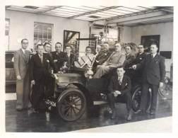 Photo Grand Format, Garage / Concession Automobile, Ford T - Automobiles