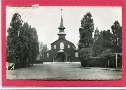 62  .AVION  ,  Cité  Des  Cheminots  .L ' église  .  Cpsm  9 X 14 - Avion