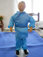 Statuette TINTIN, Lotus Bleu, Corps Souple, Tête, Pieds Et Mains Porcelaine - Tintin