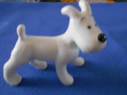 Statuette  De MILOU (TINTIN), Porcelaine Non Vernissée à L´échelle Des Statuettes - Tintin