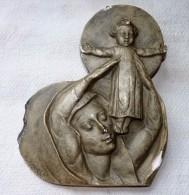 ANTIQUITE XIIIX Eme SCULPTURE PLAQUE SIGNE GAVELLE RELIGION PRESENTATION ENFANT - Sculture