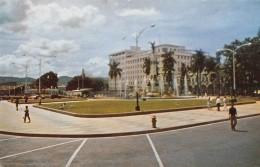 "05646  ""EL SALVADOR - PARK LIBERTAD WITH NEW OFFICE BUIDINGS"" ANIMATA. CART. POST. ORIG.  NON SPEDITA - Salvador"