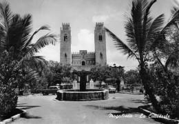 """04413 """"SOMALIA - MOGADISCIO - LA CATTEDRALE"""" AUTO.  VERA FOTOGRAFIA. CART. SPED 1963 - Somalia"""