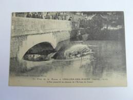 CHALONS SUR MARNE .l'eau Passant Au Dessus De L'écluse  . La Crue De La Marne. Innondation 1910  51 Marne - Châlons-sur-Marne