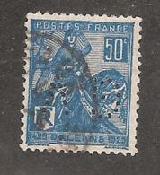 Perforé/perfin/lochung France No 257 GV  Gaston Verdier - Perforés