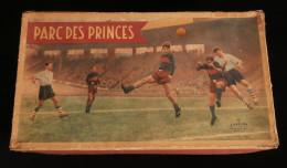 ( Football  Paris Stade Français ) Jeu PARC DES PRINCES Edition CAPIEPA 1954 Jeu De Plateau - Abbigliamento, Souvenirs & Varie