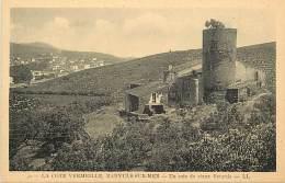 - Depts Div.-ref- GG760- Pyrenees Orientales - Banyuls - Un Coin Du Vieux Banyuls - Tour - Tours -  Vignoble - - Banyuls Sur Mer