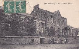 Bc - Cpa Mouazé - La Mairie Et L'Ecole - Other Municipalities