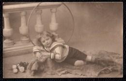 VIEILLE CARTE PHOTO JEUNE GARCON AVEC CERCEAU - HULA HOOP - HOELAHOOP - Abbildungen