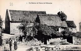 CARTE POSTALE ORIGINALE ANCIENNE : UN HAMEAU DU PLATEAU DE MILLEVACHES ; ANIMEE ; CORREZE (19) - Autres Communes