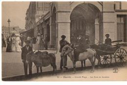 BIARRITZ  LA GRANDE PLAGE LOCATIONS D ANES  TRES ANIME - Biarritz