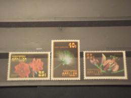 ANTILLE - 1977 FIORI 3 VALORI - NUOVI(++) - Antille