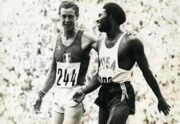 Allemagne Munich Jeux Olympiques Rodney Milburn & Guy Drut Athlétisme Ancienne Photo 1972 - Sports