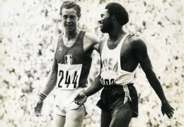 Allemagne Munich Jeux Olympiques Rodney Milburn & Guy Drut Athlétisme Ancienne Photo 1972