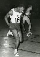 France Paris Palais Des Sports Athletisme Carper Et Delecour Ancienne Photo 1959