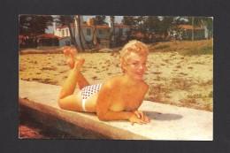 PIN UPS - SEXY GIRL - NICE GIRL AT THE BEACH FLORIDA - SEINS NUS - TRÈS JOLIE FILLE - PHOTO B. AMADEUS RUBEL - Pin-Ups